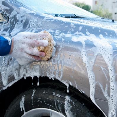 Jangan Mencuci Mobil di Bawah Sinar Matahari