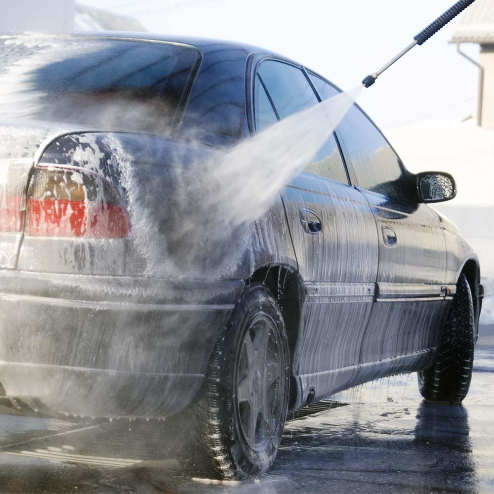 Mencuci Mobil Dengan Sabun Membuat Mobil Kusam, Mitos Atau Fakta