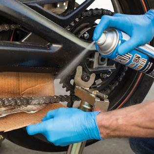 Cara Membersihkan Rantai dan Gear Motor