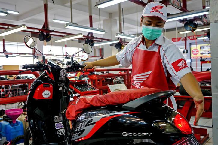 Cek Harga Service Motor Honda di Bengkel Resmi
