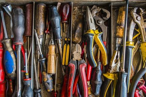 Panduan Penggunaan Dan Pemeliharaan Peralatan Tangan Hand Tool